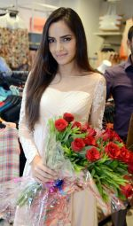 Shazahn Padamsee during the Launch of first Perfume JOEI at Madame showroom, Ambience Mall, gurgaon,Haryana on 14th April 2015 (8)_552e48024df67.JPG