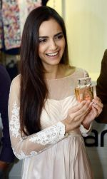 Shazahn Padamsee during the Launch of first Perfume JOEI at Madame showroom, Ambience Mall, gurgaon,Haryana on 14th April 2015 (14)_552e4819e5773.JPG