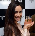 Shazahn Padamsee during the Launch of first Perfume JOEI at Madame showroom, Ambience Mall, gurgaon,Haryana on 14th April 2015 (16)_552e48fa87969.JPG