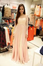 Shazahn Padamsee during the Launch of first Perfume JOEI at Madame showroom, Ambience Mall, gurgaon,Haryana on 14th April 2015 (19)_552e48294adcb.JPG