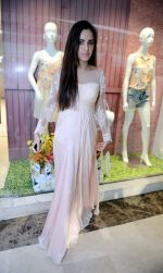 Shazahn Padamsee during the Launch of first Perfume JOEI at Madame showroom, Ambience Mall, gurgaon,Haryana on 14th April 2015 (4)_552e47eecdc86.JPG