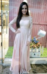 Shazahn Padamsee during the Launch of first Perfume JOEI at Madame showroom, Ambience Mall, gurgaon,Haryana on 14th April 2015 (5)_552e47f3651f5.JPG