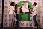 Soha Ali Khan, Kunal Khemu, Masaba at Ariel Share The Load Campaign Launch in Mumbai on 14th April 2015 (54)_552e4fde1f1ac.JPG