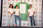 Soha Ali Khan, Kunal Khemu, Masaba at Ariel Share The Load Campaign Launch in Mumbai on 14th April 2015 (59)_552e4fdf4e5c9.JPG