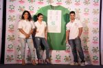 Soha Ali Khan, Kunal Khemu, Masaba at Ariel Share The Load Campaign Launch in Mumbai on 14th April 2015 (62)_552e4fe03e23c.JPG