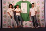 Soha Ali Khan, Kunal Khemu, Masaba at Ariel Share The Load Campaign Launch in Mumbai on 14th April 2015 (69)_552e4fe137506.JPG