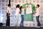 Soha Ali Khan, Kunal Khemu, Masaba, mandira Bedi at Ariel Share The Load Campaign Launch in Mumbai on 14th April 2015 (58)_552e4fe371de0.JPG