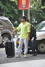 Wajid Ali depart to Goa for Planet Hollywood Launch in Mumbai Airport on 14th April 2015 (58)_552e4f2ce663c.JPG