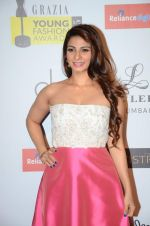 Tanisha Mukherjee at Grazia young fashion awards red carpet in Leela Hotel on 15th April 2015 (2064)_5530a3381f1e8.JPG