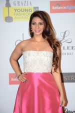 Tanisha Mukherjee at Grazia young fashion awards red carpet in Leela Hotel on 15th April 2015 (2065)_5530a3393724d.JPG