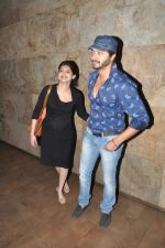 Shreyas Talpade, Deepti talpade watch Ok Kanmani in Mumbai on 23rd April 2015 (47)_553a0db741143.JPG