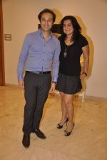 Divya Palat, Aditya Hitkari at Shayonti Roy Kapur_s Art Exhibition in Mumbai on 24th April 2015 (15)_553b68d43838e.JPG