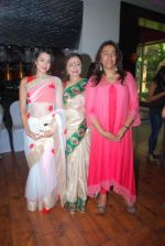 Pooja Kanwal, Anita Kanwal at Anu ranjan_s BETI Foundation hosted the reception of acid attack survivor Sonali Mukherjee & Chittaranjan Tiwari at J W Marriott on 24th April 2015 (17)_553b6a584deb8.JPG