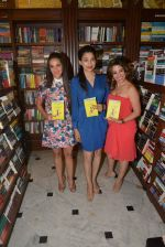 Tara Sharma, Perizaad Zorabian at Shunali Shroff book launch in Kitab Khana on 24th April 2015 (49)_553b5c4138d36.JPG