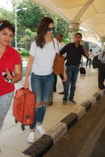 Bruna Abdullah at airport in Mumbai on 27th April 2015 (12)_553f27c329eef.JPG