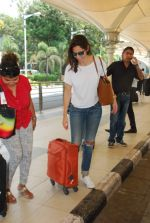 Bruna Abdullah at airport in Mumbai on 27th April 2015 (13)_553f27c4b53f8.JPG