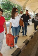 Bruna Abdullah at airport in Mumbai on 27th April 2015 (14)_553f27c6d334c.JPG