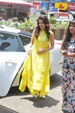 Juhi Chawla launch skin clinic in Parle, Mumbai on 28th April 2015 (34)_554080650ebca.JPG