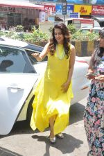Juhi Chawla launch skin clinic in Parle, Mumbai on 28th April 2015 (35)_5540806718b0f.JPG