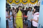 Juhi Chawla launch skin clinic in Parle, Mumbai on 28th April 2015 (37)_5540806b11638.JPG
