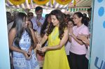 Juhi Chawla launch skin clinic in Parle, Mumbai on 28th April 2015 (40)_55408072587d2.JPG