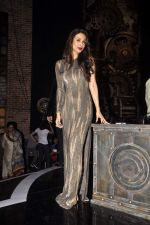 Malaika Arora Khan  on the sets of India_s Got Talent in Filmcity, Mumbai on 28th April 2015 (61)_554084f5651a4.JPG