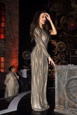 Malaika Arora Khan  on the sets of India_s Got Talent in Filmcity, Mumbai on 28th April 2015 (64)_554084fc75a56.JPG