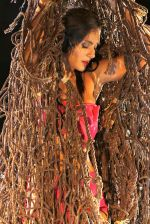 Bruna Abdullah on location of a film called Robinhood Ke Potte at Panchagani (1)_554373b9e9f7d.JPG