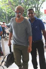 Akshay Kumar snapped at Mumbai Airport on 1st May 2015