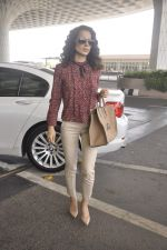 Kangana Ranaut snapped as she leaves for Delhi for the National Award ceremony on 2nd May 2015