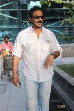 Milind Gunaji snapped at Mumbai Airport on 2nd May 2015 (34)_554603971b899.JPG