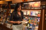 Anu Aggarwal snapped at a bookstore on 4th May 2015 (8)_55488a2815870.JPG
