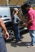 Preity Zinta  snapped on 4th May 2015 (25)_554864602a9df.JPG