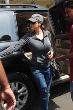 Preity Zinta  snapped on 4th May 2015 (29)_5548646631a46.JPG