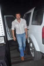 Sohail Khan at Abhishek Kapoor_s wedding bash for close friends in Juhu on 4th May 2015 (36)_55486a009a80d.JPG
