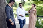 Sunny Leone, Ram Kapoor, Navdeep Chhabra in Delhi for film promotions of Kuch Kuch Locha Hai on 4th May 2015 (87)_55488c5c9cc5f.JPG