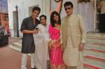 Tusshar Kapoor, Shobha Kapoor, jeetendra, Ekta Kapoor at Abhishek Kapoor & Pragya Yadav Wedding at Isckon temple on 3rd May 2015 (66)_55486b8e226f1.JPG
