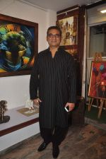 Abhijeet Bhattacharya inaugurates art gallery in Mumbai on 5th May 2015 (22)_5549f8ee31d4e.JPG