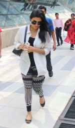 Asin Thottumkal snapped at airport in Mumbai on 5th May 2015