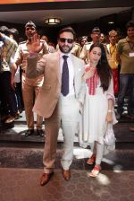 Saif Ali Khan, Karisma Kapoor at Shashi Kapoor felicitation at Prithvi theatre in Mumbai on 10th May 2015