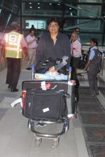 Vashu Bhagnani snapped at airport on 10th May 2015 (10)_555041e8eb364.JPG