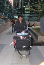 Vashu Bhagnani snapped at airport on 10th May 2015 (11)_555041ea0bd62.JPG