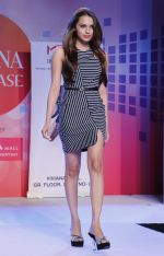 Gail Nicole Da Silva walking the Ramp at _Femina Festive Showcase May 2015_.1
