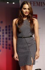 Gail Nicole Da Silva walking the Ramp at _Femina Festive Showcase May 2015_.3_55518e6e0e4ff.JPG