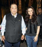 Preity Zinta at Producer Kishor & Pooja Dingra_s son Aakash Dingra_s 7th Birthday Party in Mumbai on 11th may 2015 (84)_555194b87d26d.jpg
