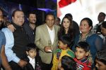 Preity Zinta, Dharmendra, Anil Kapoor at Producer Kishor & Pooja Dingra_s son Aakash Dingra_s 7th Birthday Party in Mumbai on 11th may 2015 (57)_5551948d33099.JPG