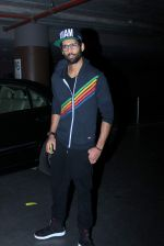 Siddharth Mallya returns from Los Angeles in Mumbai Airport on 11th May 2015 (7)_5551951887ace.JPG