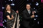 Madhuri Dixit with Govinda on the sets of DID Super Moms on 12th May 2015