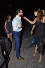 Saif Ali Khan snapped in the club on 12th May 2015 (17)_555323eecce68.JPG
