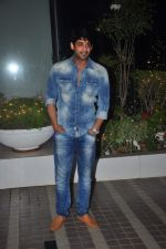 Siddharth Shukla at Mary Kom success bash in Andheri, Mumbai on 12th May 2015 (37)_5553278b07a41.JPG